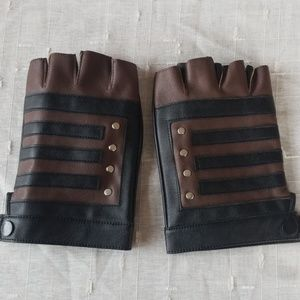 Faux leather costume gloves
